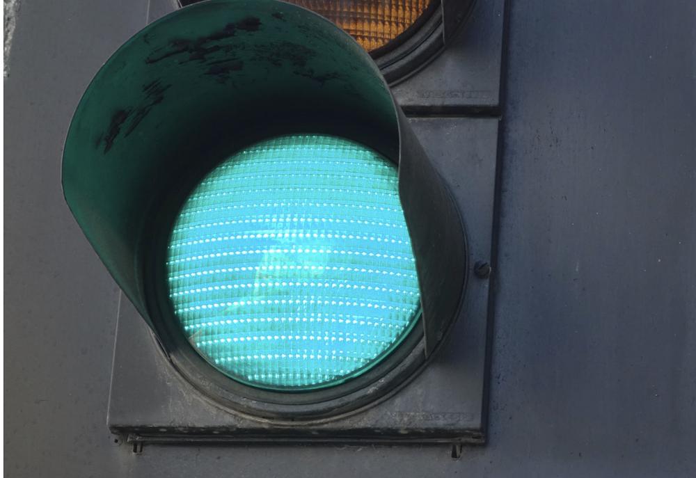 Keep pecking the green light